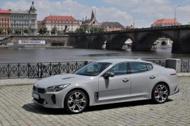 test-2019-kia-stinger-gt-v6-33-t-gdi-8at-4x4- (22)