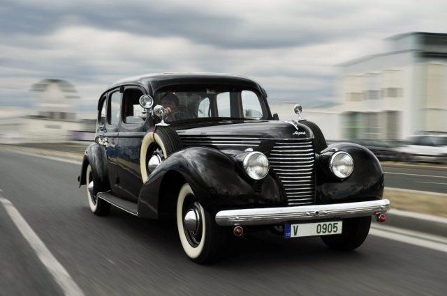 1939-SKODA-SUPERB-3000-OHV