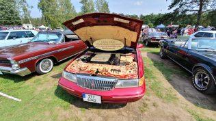 2019-sraz-americkych-aut-hradecka-V8- (98)
