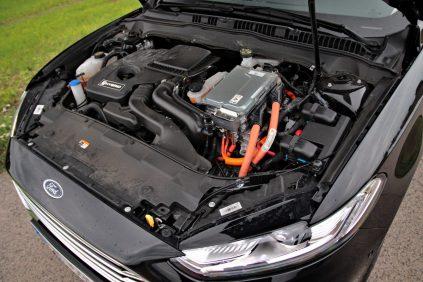 test-2019-ford-mondeo-kombi-hybrid- (15)