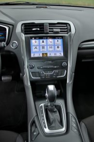 test-2019-ford-mondeo-kombi-hybrid- (25)