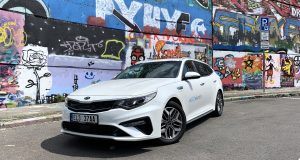 test-2019-kia-optima-phev-_(7)