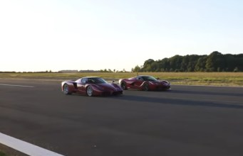 Ferrari_Enzo-a-Ferrari_LaFerrari-zavod-video