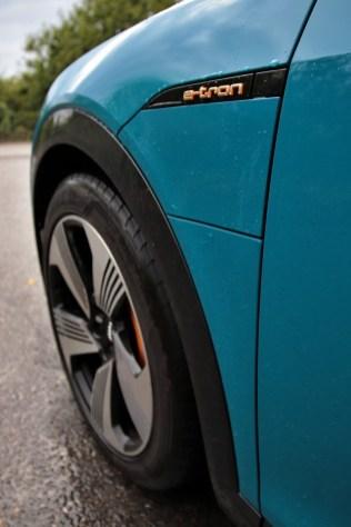 test-elektromobilu-2019-audi-e-tron-55-quattro- (15)