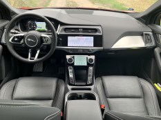 test-elektromobilu-2019-jaguar-i-pace- (25)