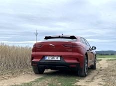test-elektromobilu-2019-jaguar-i-pace- (4)