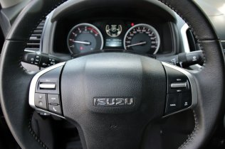 test-2019-isuzu-d-max- (31)