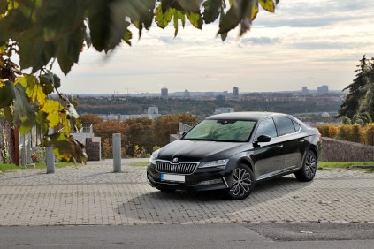test-2019-skoda-superb-facelift- 20-tdi-evo-110-kw-dsg-laurin-a-klement- (1)