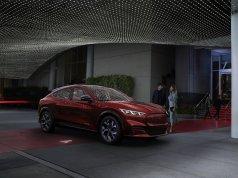 2020-Ford-Mustang-Mach-e-elektromobil- (2)