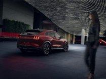 2020-Ford-Mustang-Mach-e-elektromobil- (3)
