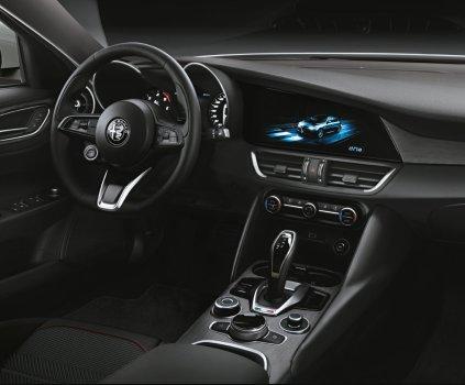 Alfa-Romeo_Giulia-a-Stelvio-interier-MY2020- (1)