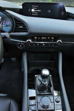 Test-2019-Mazda3-Skyactiv-G122- (29)
