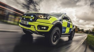policie-velka-britanie-ford-focus-st-combi-a-ford-ranger-raptor- (10)