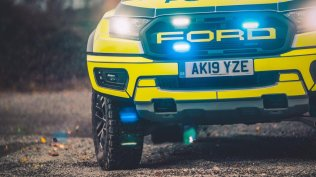 policie-velka-britanie-ford-focus-st-combi-a-ford-ranger-raptor- (14)