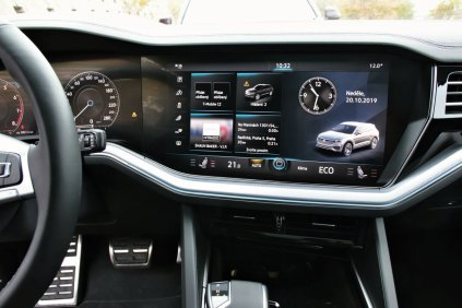 srovnavaci-test-2019-bmw-x5-volkswagen-touareg-benzin- (52)