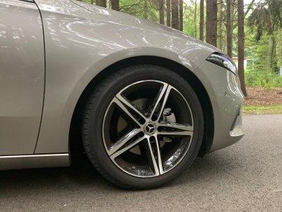 test-2019-mercedes-benz-a-200-sedan- (14)