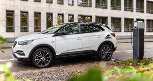Opel-Grandland-X-PHEV- (4)