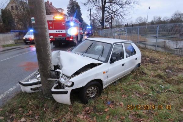 Počet mrtvých na českých silnicích v loňském roce klesl. Nehod ale stále přibývá