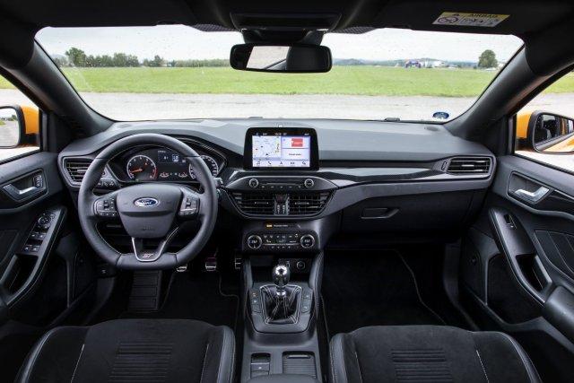 test-2019-ford-focus-st-plus-performance-23-ecoboost-18.jpg