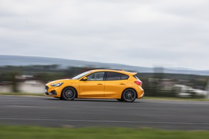 Ford Focus ST Plus Performance 2.3 EcoBosst (2019), foto: Ondřej Kroutil