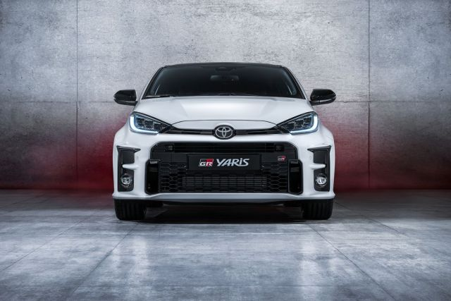 2020-Toyota_YARIS_GR_ (1)