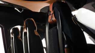 Aston martin vrtulnik (11)