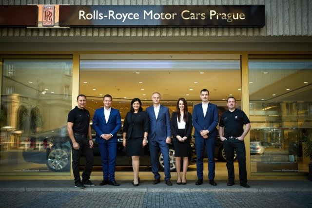 rolls-royce-motor-cars-prague-2