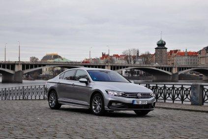 test-2019-volkswagen-passat-20-tsi-140-kw-dsg-r-line- (1)