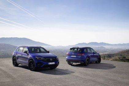 2020-volkswagen-touareg-r-plug-in-hybrid- (1)