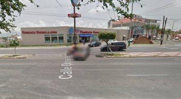 google-maps-street-view-nehoda-pick-up-motorka-2