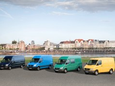 mercedes-benz_sprinter_25-let-2