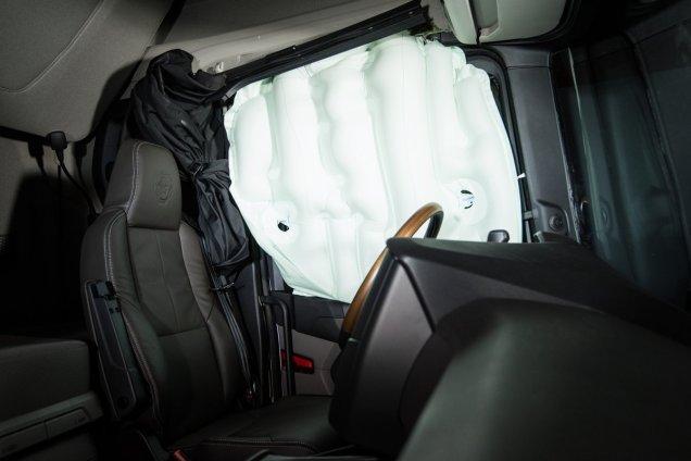 Scania - okenní airbag