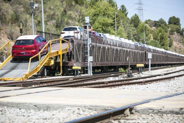 seat-tovarna-martorell-vlak