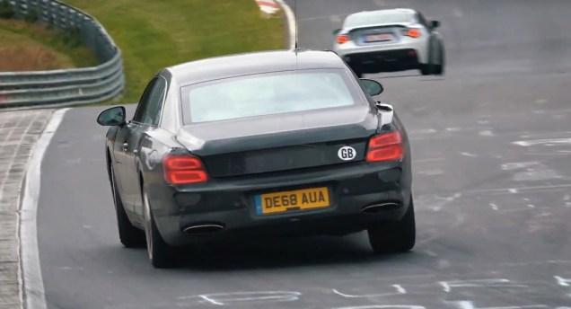 2020-bentley-flying-spur-plug-in-hybrid-testuje-na-nurburgringu-video
