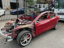 tesla-model-3-po-nehoda-aukce-na-prodej- (2)