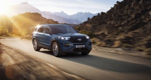 2020-Ford_Explorer_Plug-in_Hybrid- (1)