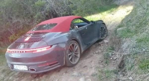 Porsche-911-carrera-4s-cabrio-off-road-video