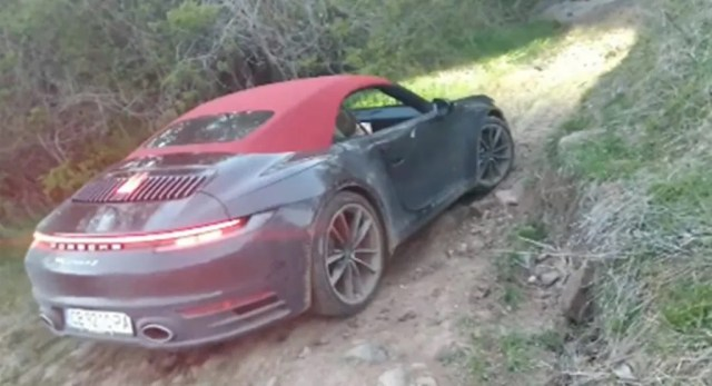 Porsche-911-carrera-4s-cabrio-off-road-video