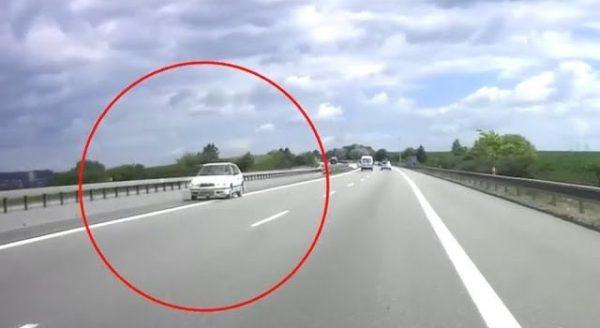 89letý řidič ujel po dálnici 10 km v protisměru. Původně chtěl jet jen k synovi do vedlejší vesnice