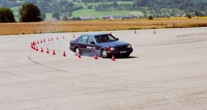 BOSCH-25-let-ESP-Mercedes-Benz- (2)