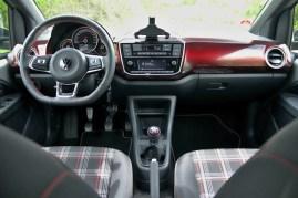 test-2020-volkswagen-up-gti- (25)