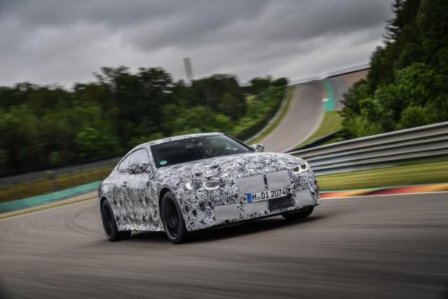 2020-maskovane-BMW-M4-okruh- (10)