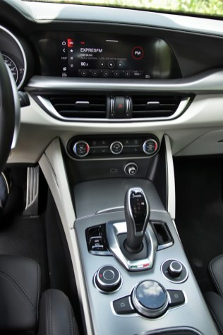 Test-2020-Alfa_Romeo-Stelvio-Veloce-20_GME-206-kW- (29)