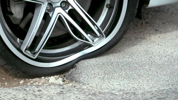 Michelin testuje nové flexibilní kolo, které zamezí zničení pneumatiky i samotného disku