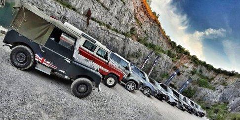 prvni-jizda-Land-Rover-Defender-a-dalsi-modely-v-lomu-Amerika-Dajbych- (2)