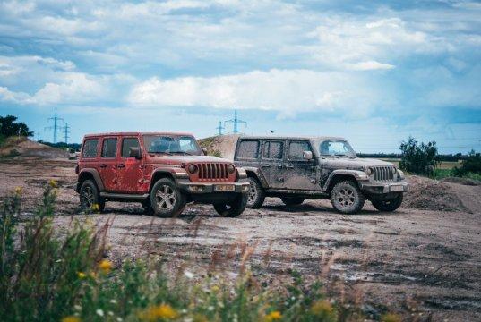 test-2020-jeep_wrangler_sahara-a-jeep_wrangler_rubicon- (4)