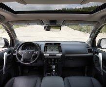 2020-Toyota_Land_Cruiser-Black_Pack-facelift- (12)