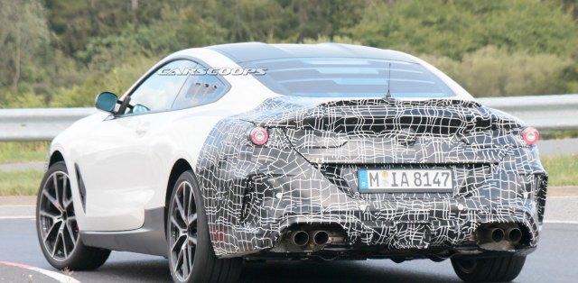 BMW-M8-motor-uprostred-spy-foto-nurburgring-carscoops_com-3