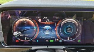 prvni-jizda-2021-mercedes-benz-e-300-de-4matic-kombi-facelift- (9)