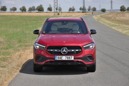 test-2020-mercedes-benz-gla-220d-4matic- (1)